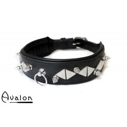Avalon - Collar - REVERED - med spisse og flate nagler - Sort