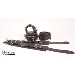 Avalon - Cuffs og collar sort