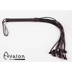 Avalon - Sort Ni-halet flettet flogger med lær stjernetupper