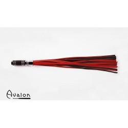 Avalon - Sort og rød lærflogger med krom og brunt metallhåndtak